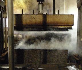 La creazione del pannello agglomerato di sughero Corkpan