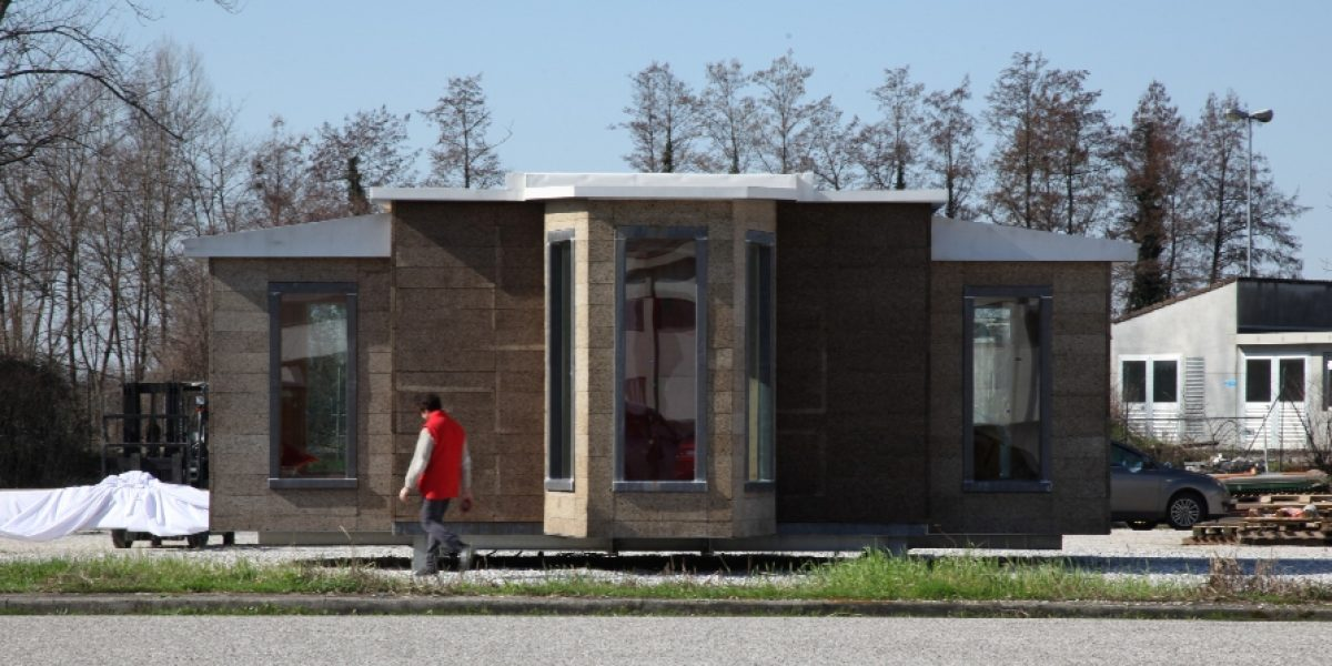 Edificio modulare Edilanzutti rivestito con sughero MD Facciata, a vista