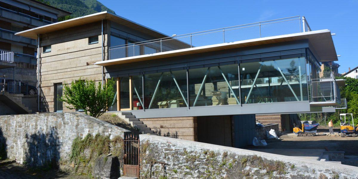La villa di VIra con cappotto in sughero faccia a vista