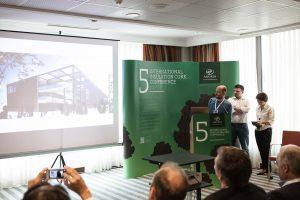 I progettisti dello studio MOSAE presentano il progetto del pdiglione del brasile ad EXPO 2015 alla Cork Conference organizzata da Amorim a Settembre 2014