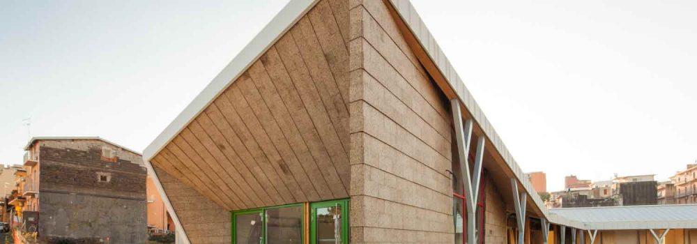 Wonderlad è un edificio in legno rivestito e isolato con sughero facci aa vista CORKPAN MD FACCIATA
