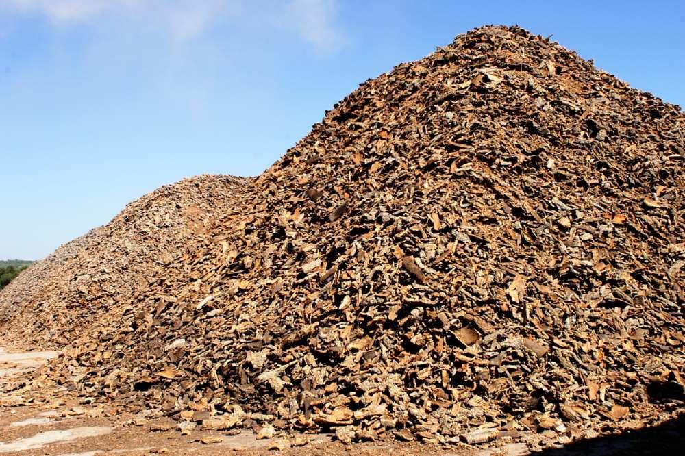 L'essicazione della falca di sughero prima della produzione del pannello Corkpan dura oltre un anno