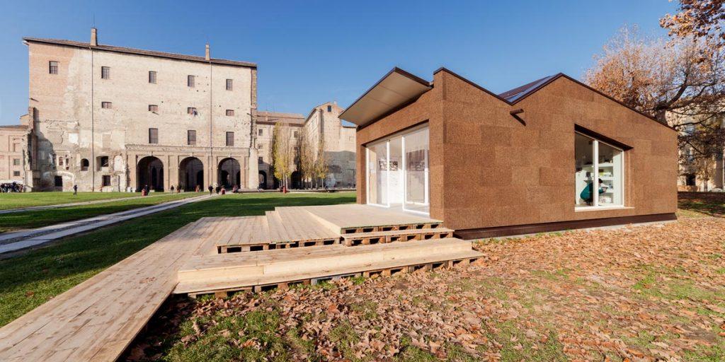 Il Modulo Eco di Parma è rivestito in sughero faccia a vista
